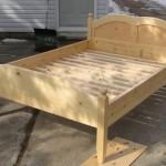 Изготавливаем кровать из дерева своими руками