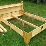 Деревянная кровать своими руками в загородном доме или квартире