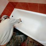 Наиболее эффективные способы реставрации старой ванны жидким акрилом или эмалью
