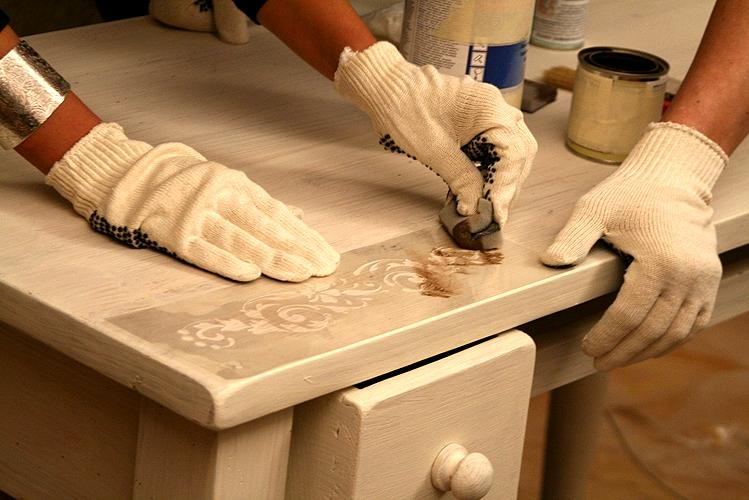 Реставрация деревянной кухни мебели своими руками