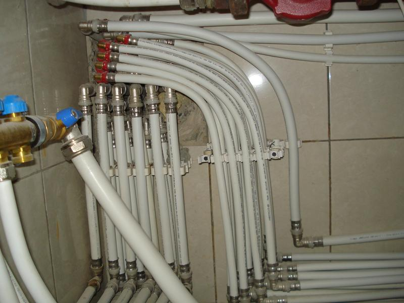 Montaža vodovodne instalacije v video stanovanju